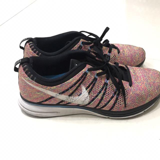 九成新 Nike Flyknit Trainer 彩虹