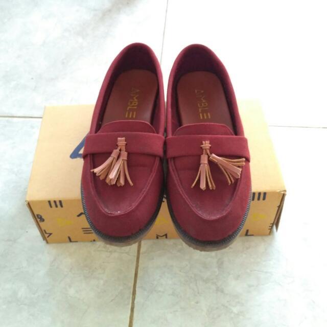 Amble Shoes (Kara Canvas Maroon)