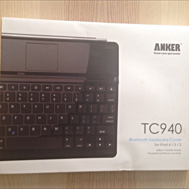 ANKER TC940 Bluetooth Keyboard Cover (for iPad 4/3/2)