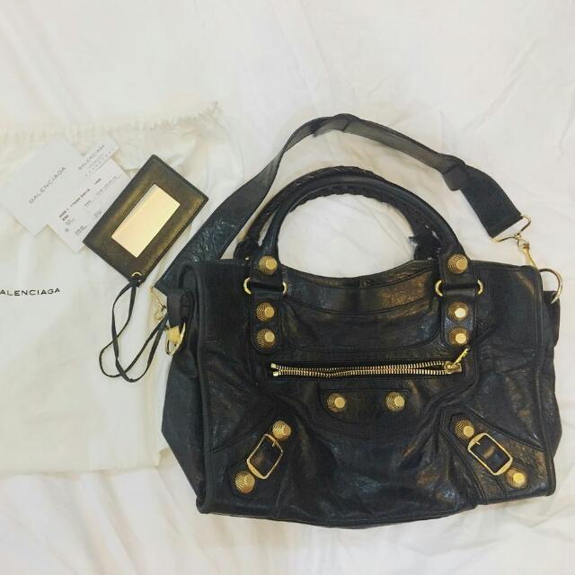 AUTHENTIC Balenciaga Classic City Bag Large Black With Gold Studs ... af0b978dc5