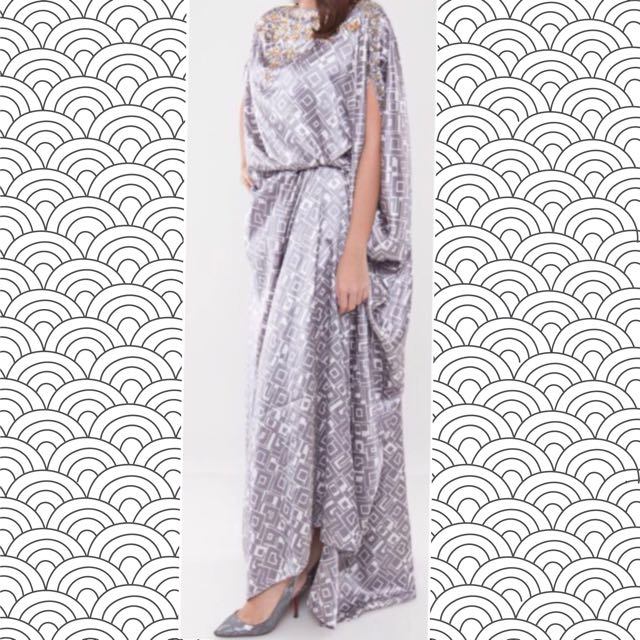 Ava Prologue Kaftan - Xylia Signature Side Folded