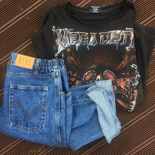 Band T And Boyfriend Jeans
