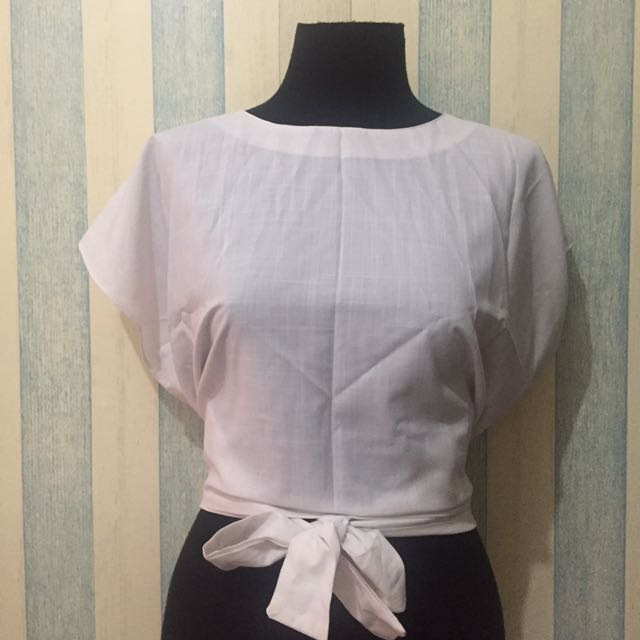 Beatrice Clothing: Simple Tied White Top M