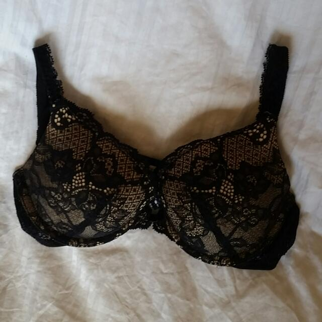 Black And Nude Lace Bra From Paris 32B