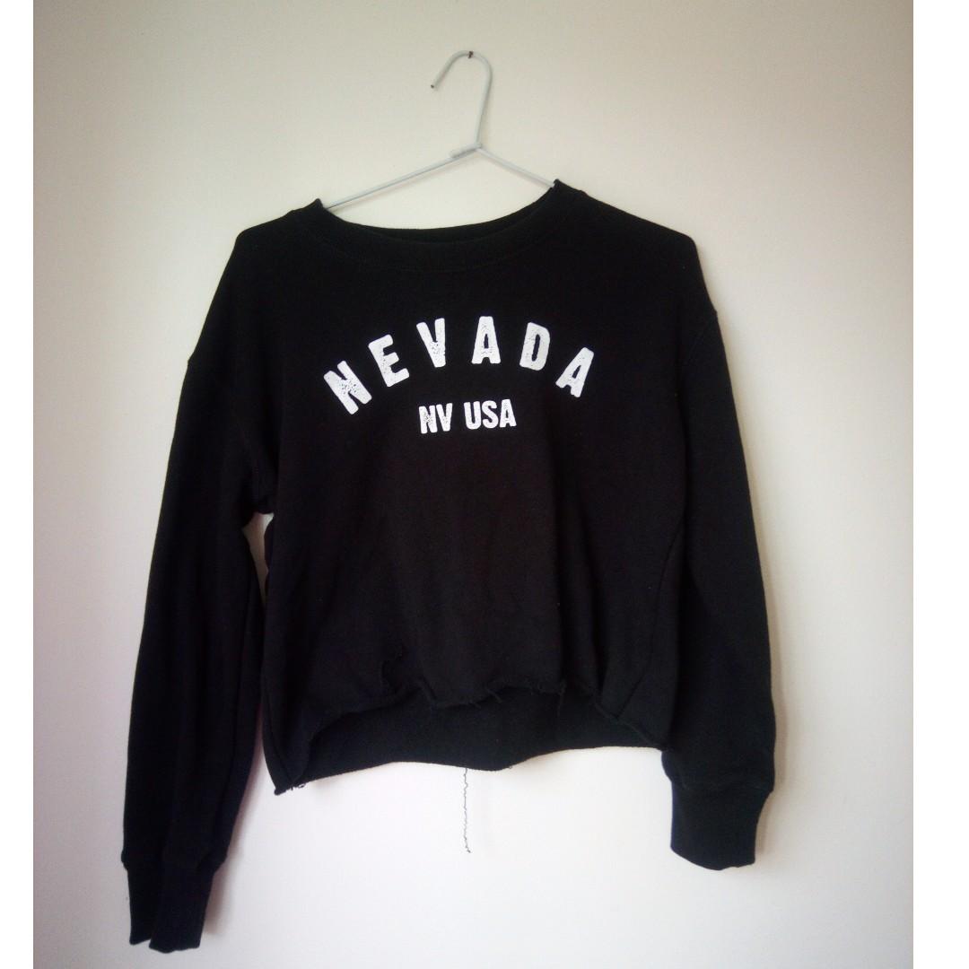 Graphic Nevada Cropped Sweatshirt