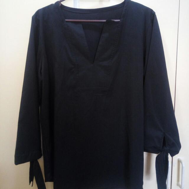 Black Tunic Blouse With Arm Tie