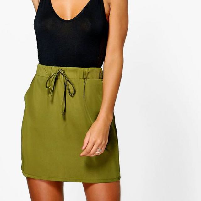 Boohoo Satin Drawstring Skirt