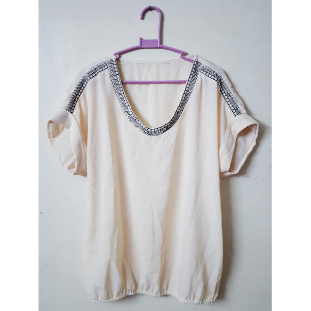 (Brand New!) Beige Top (Unbranded)