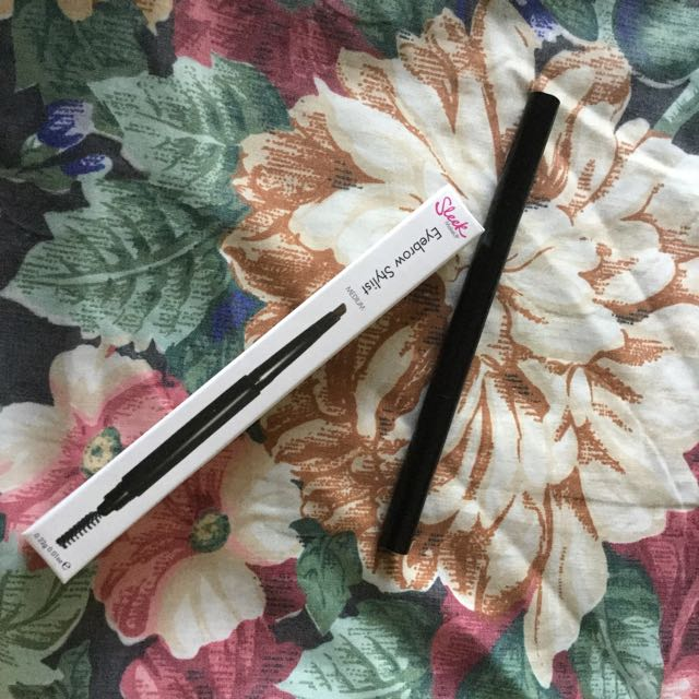 Brand New Sleek Eyebrow Pencil