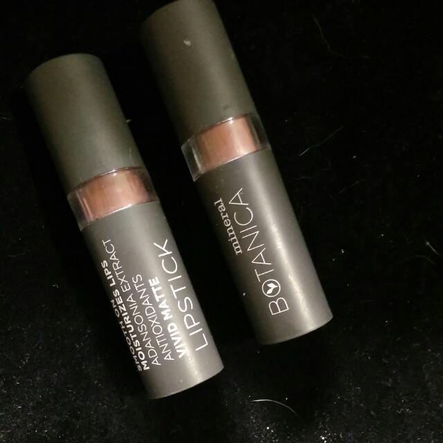 Bundle Mineral Botanica Lipstick