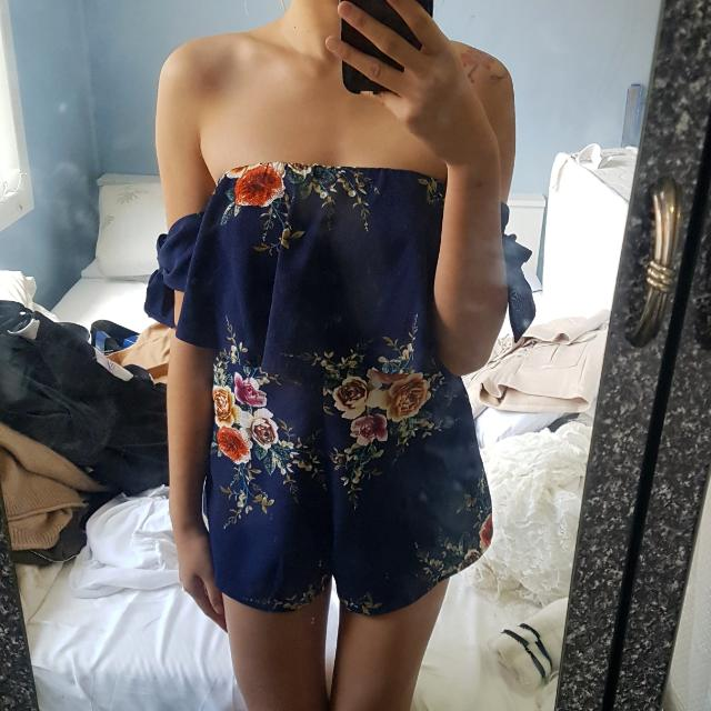Cute Navy Floral Off The Shoulder Tie Playsuit Size 8