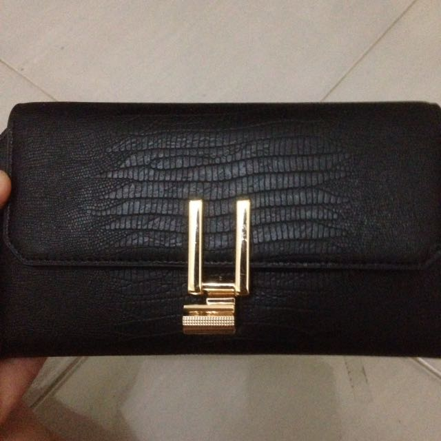 Charles & Keith Dompet Hitanm