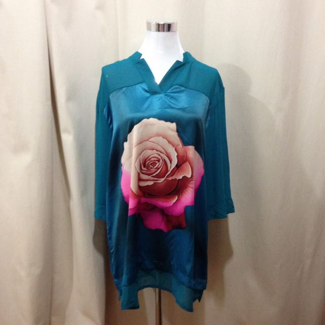 Brand new with tag-Extra large Blouse