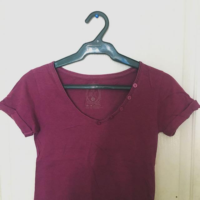 FH Basic Vneck Shirt