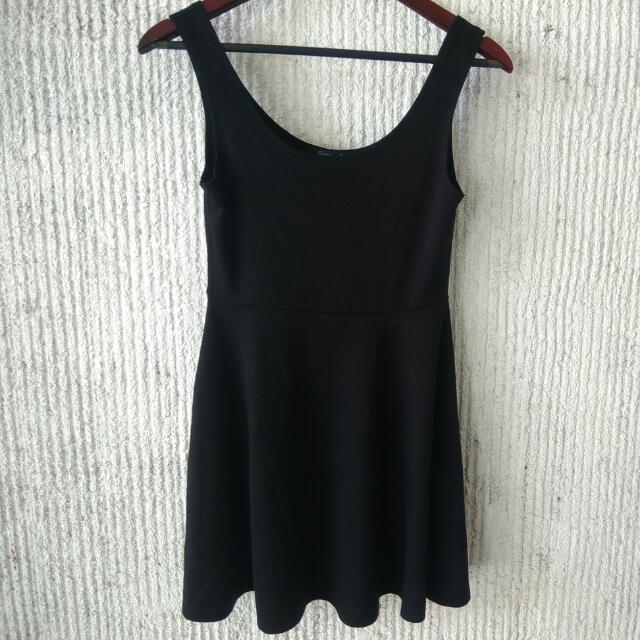 Forever21- Black Dress