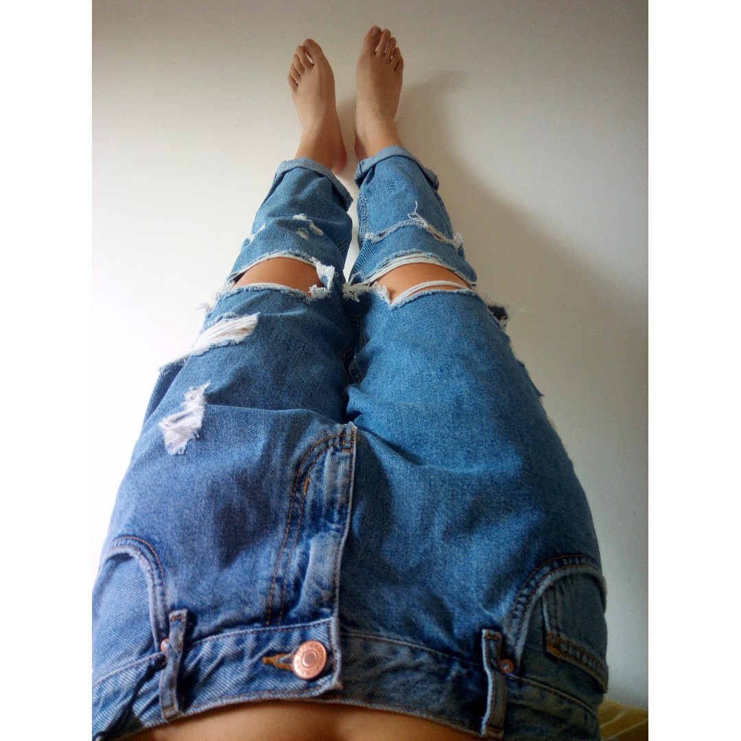 *PRICE DROP NEW Distressed Ripped Boyfriend Jeans Forever 21