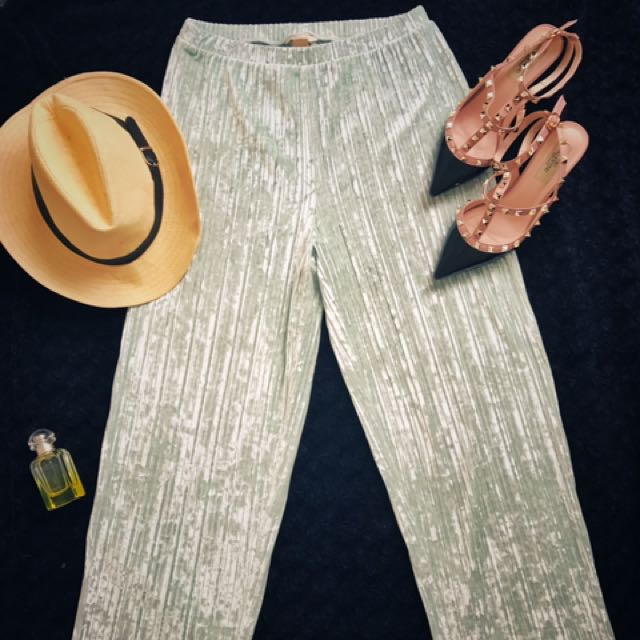 H&M Velvet Pants 「Street Style」