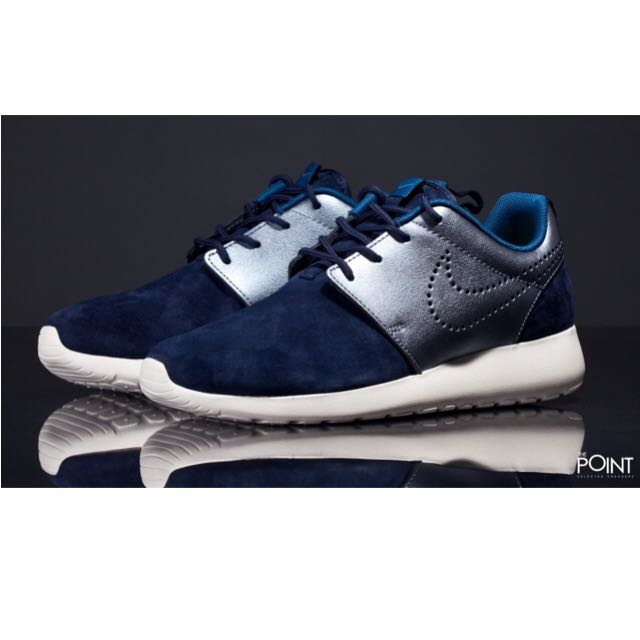 Nike Roshe Run 麂皮拼接銀色深藍色