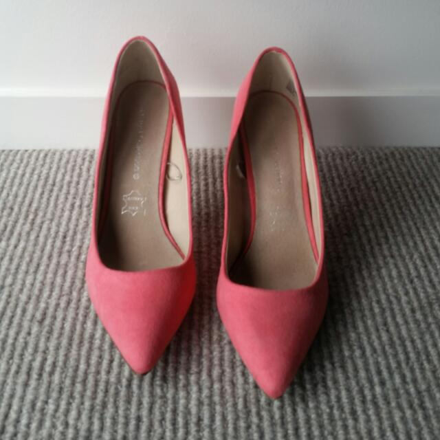 Pink Point Heels - Size 9