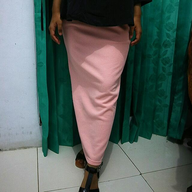 Rok Pensil / Pencil Skirt Pink
