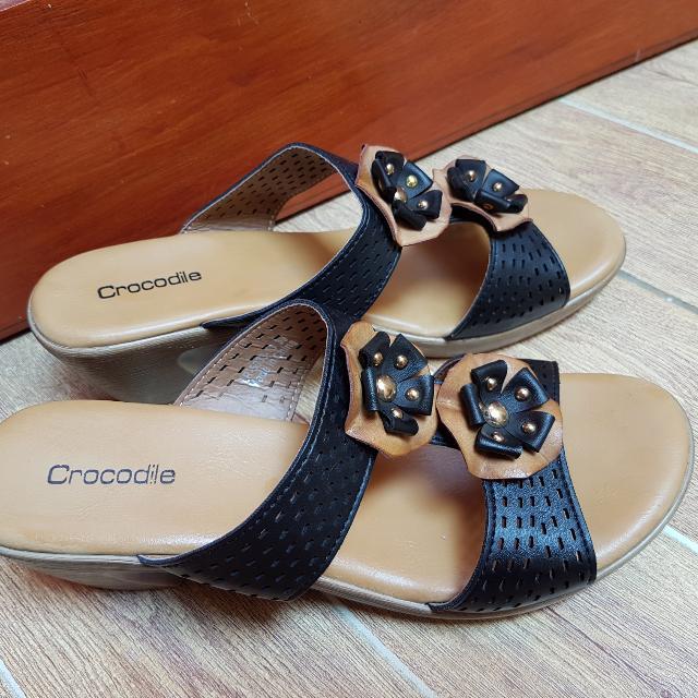 Sandal Crocodile Size 39