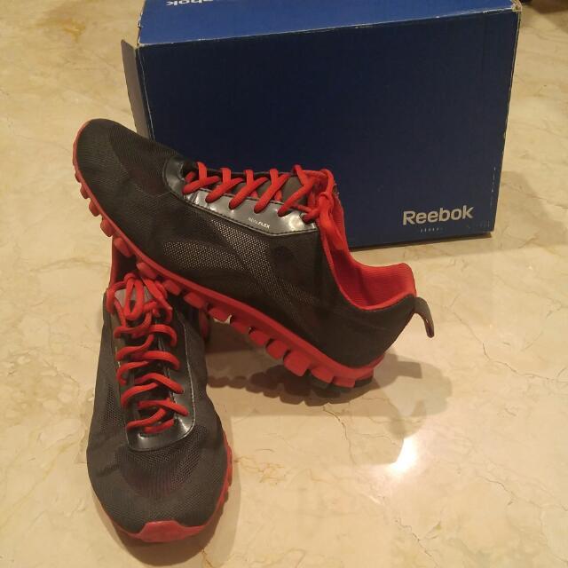 Sepatu Olahraga Reebok Size 39 ORI