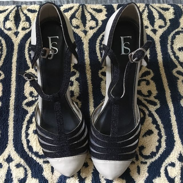 sepatu pesta / sepatu tali / merk Farish (Fs )