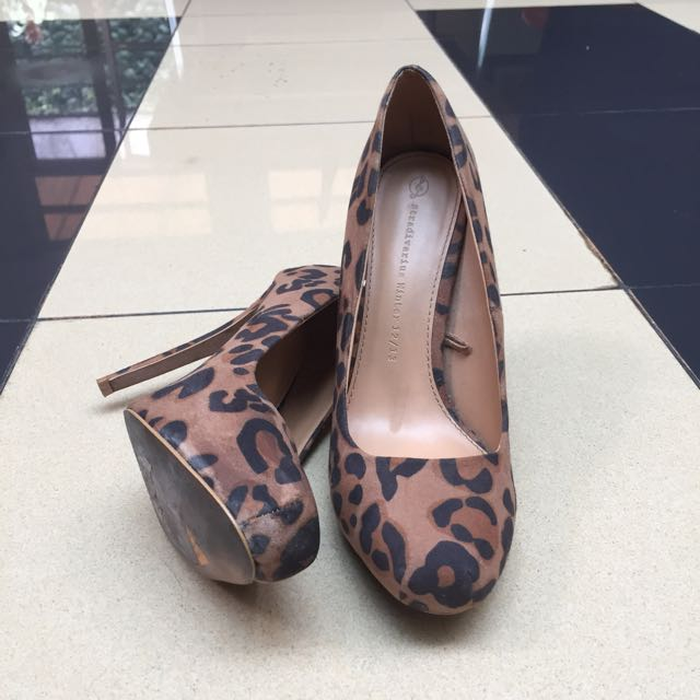 Stradivarius Leopard Heels