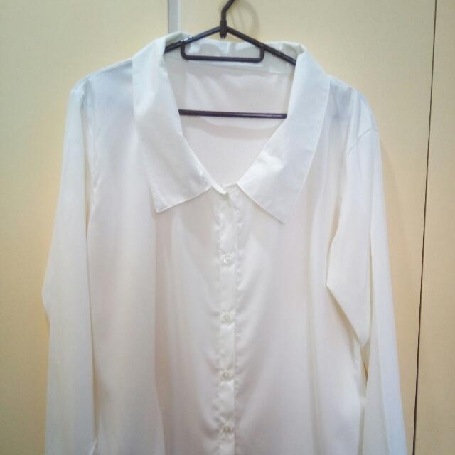White Blouse With Oversized Collar