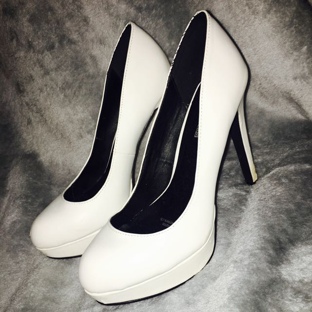 White High Heel Pumps Size 8