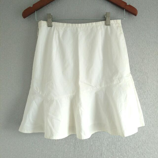 White Skirt Girly Look