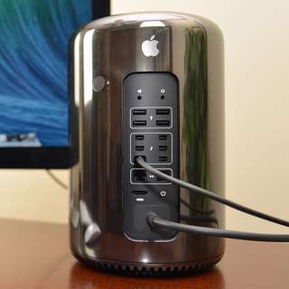 MacPro 2013 (with Box N AppleCare nov 2017) Quad-Core 3.7 GHz Memory: 64 GB  Storage 256 GB D300