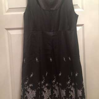Alannah Hill Sz 12 Black And Lace Dress