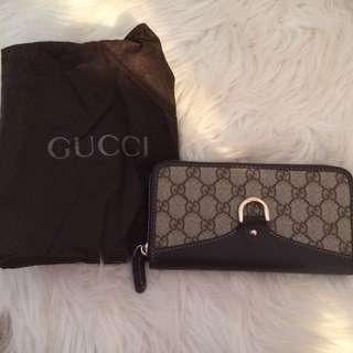 Gucci Wallet Fake