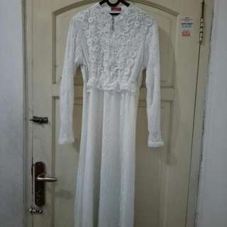 Dress Bruket white Mote2