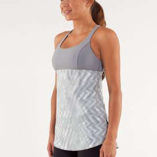 Lululemon Venus Tank In Grey Chevron Print (Size 6)