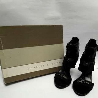 ♥AUTHENTIC CHARLES & KEITH Open Toe Black Heels♥