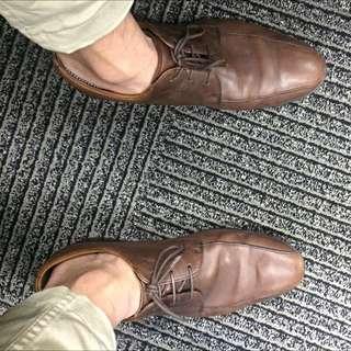 英國Clarks 小羊皮咖啡色繫帶鞋