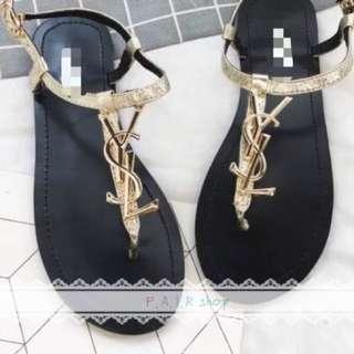 「歐美風🔥玩字鞋」🇺🇸歐美風YSL字樣夾腳平底涼鞋