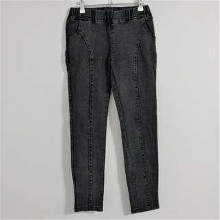 🚚 黑色線條顯瘦造型 緊身九分牛仔褲 #我的旋轉衣櫃