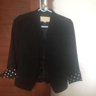黑色西裝樓外套