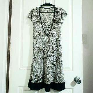 Animal Printed V-line Dress