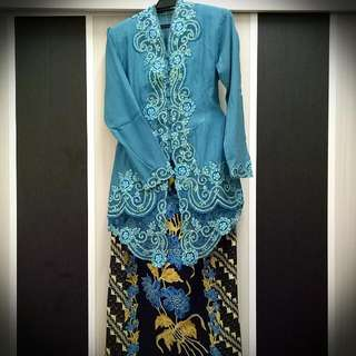 Jelita Lace Long Kebaya