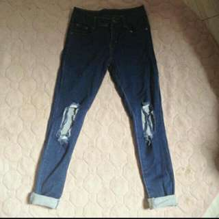 PUNNY RIPPED JEANS SALE
