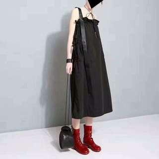 單吊帶設計洋裝
