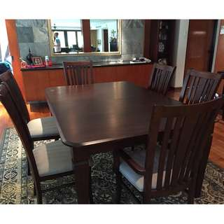 Dining Room Set - table and 6 chairs plus extension and table padding