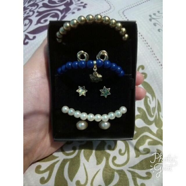 3 Piece Bracelet And Earrings