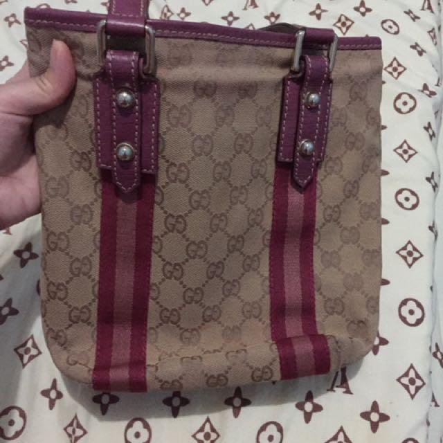 Authentic Gucci vintage bucket bag