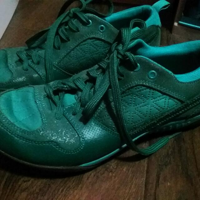 👍👍AUTHENTIC Hush Puppies: (Rubber Shoe Jade Leather)👍👍