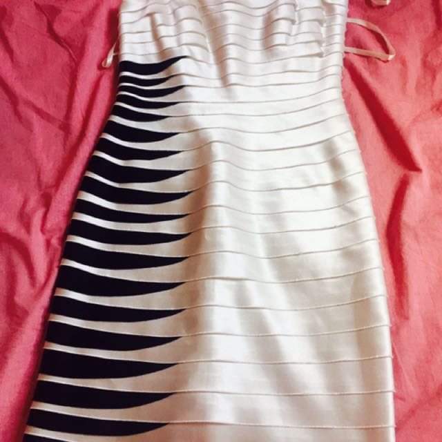 Bcbg Dress Size Small